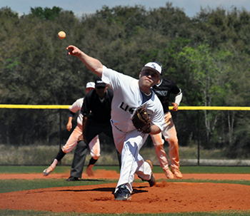 Lions Split Twinbill With Lyndon State